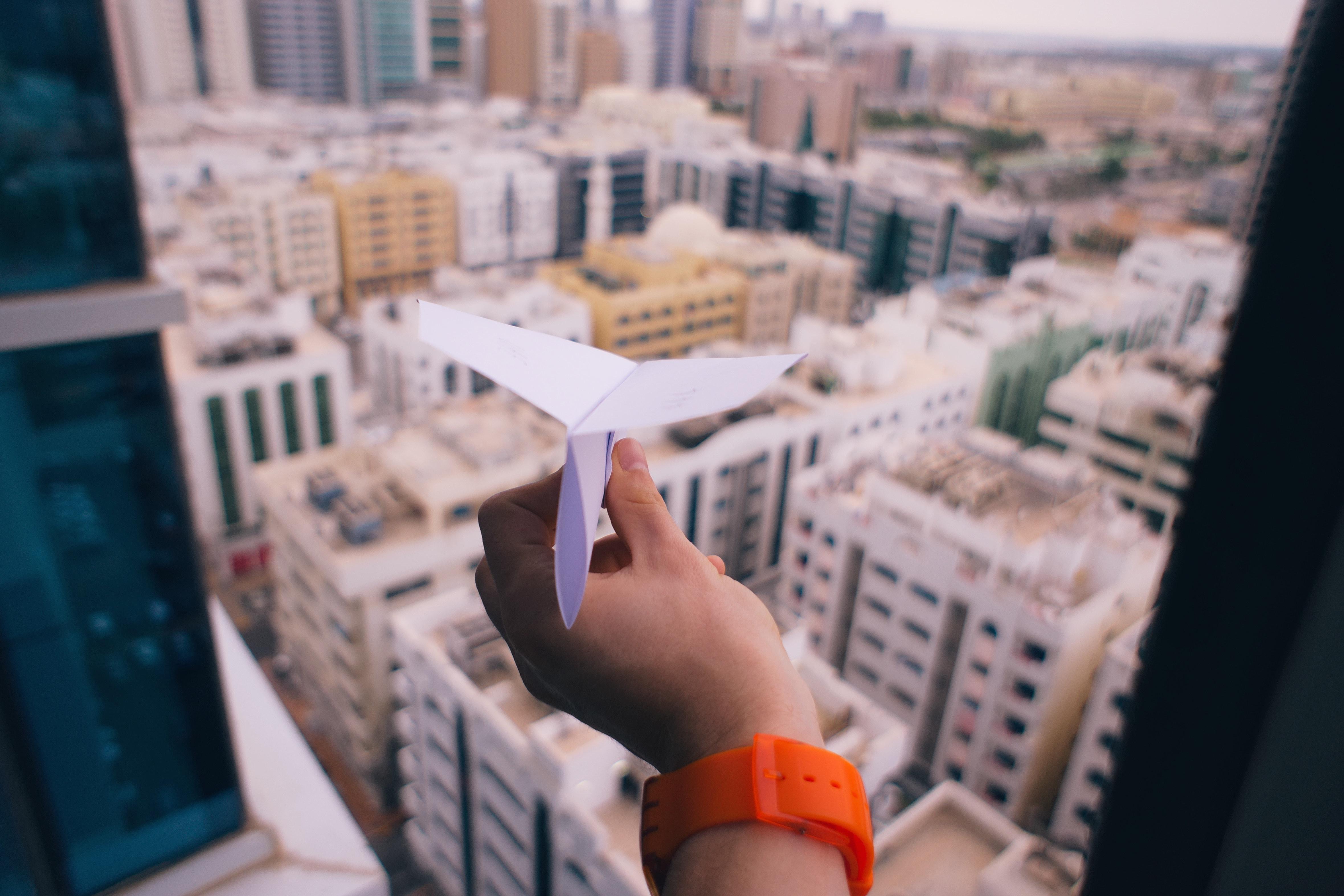 Paper plane - airtopia clean air